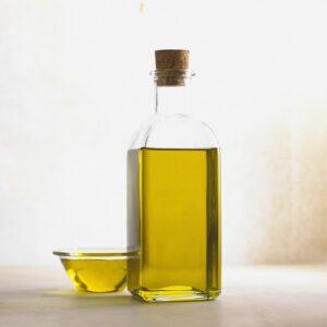 Extra virgin olive oil: the cornerstone of the mediterranean diet